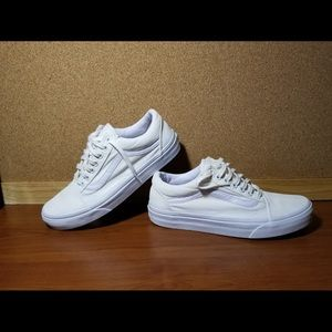 Shoes - Vans sneakers women's sz 8.5 Men's sz 7